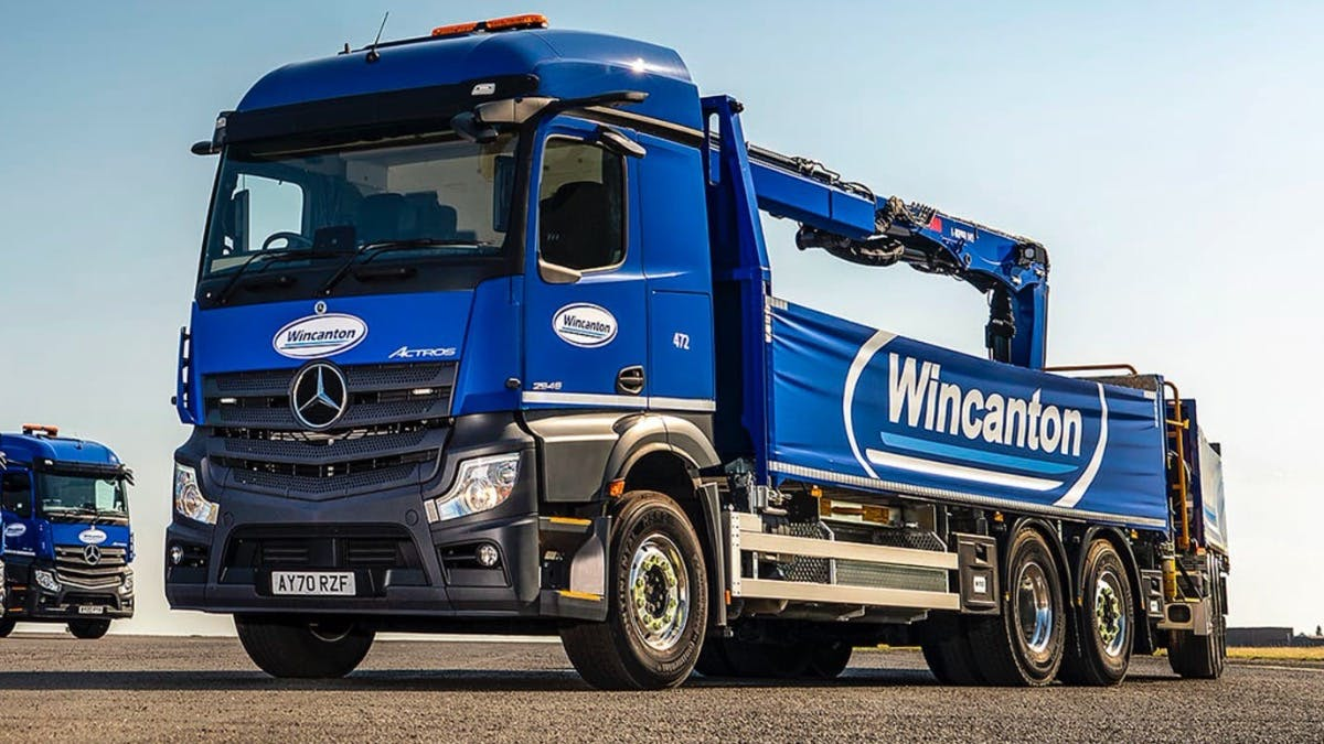 Wincanton leads on construction site deliveries with 14 new-generation Mercedes-Benz Actros drawbar units